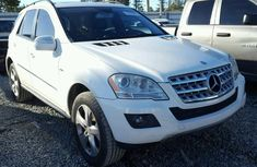 Clean Mercedes Benz Ml320 2010 White for sale
