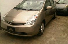 A clean Toyota Prius 2009 Gold for sale