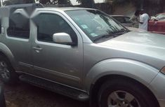Clean Nissan Pathfinder 2005 Silver For Sale
