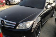 Good used Mercedes Benz C320 2010 black for sale with full option