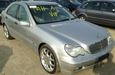 Good used Mercedes Benz C180 2003 Silver for sale with full option
