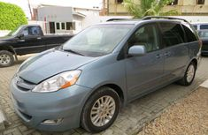 CLEAN 2009 TOYOTA  SIENNA FOR SALE