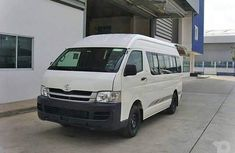 2005 Toyota Haice  Bus FOR SALE