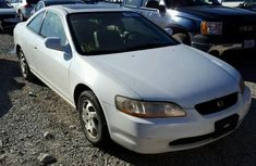 Direct tokumbo Honda Accord 2000 White for sale at affordable price