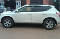 Clean white 2005 Nissan Murano for sale