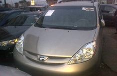 2009 Clean Toyota Sienna for sale