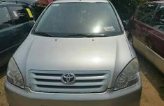 Almost brand new Toyota Avensis Petrol 2004