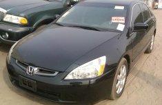Neat Honda Accord black 2006 for sale