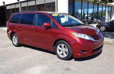 Neatly used 2015 Toyota Sienna for sale