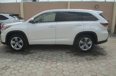 2014 Clean Toyota Highlander for sale with full auction