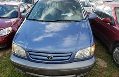 Clean Toyota Sienna for SALE 2002 model