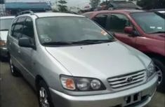 CLEAN 2003 TOYOTA PICNIC FOR  SALE