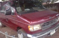 Ford E-150 2000 Red FOR SALE