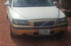 Clean Volvo S60 2004 White for sale