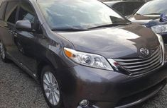 Foreign used Toyota Sienna 2015 Grey FOR SALE
