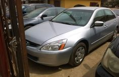 Honda Accord 2005 tokunbo Silver FOR SALE