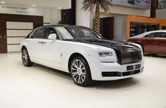 "Behold Rolls-Royce Ghost EWB ""Inspired by Private Jet"" 2018 at Abu Dhabi dealership"