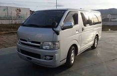 Auction Toyota HAise Bus 2006 FOR SALE