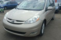 Toyota Sienna 2007 model for sale