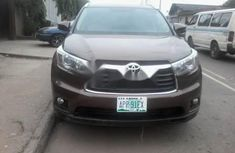 2015 Toyota Highlander Automatic Petrol well maintained