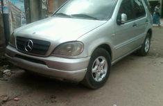 Tokunbo Mercedes-Benz Ml320 2004 FOR SALE