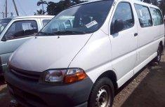 Toyota HiAce 2001 Petrol Manual White for sale