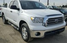 Very Clean Toyota Tundra 2012 FOR SALE
