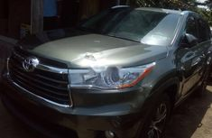 2016 Toyota Highlander Automatic Petrol well maintained