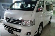 Clean Foreign use Toyota HiAce Bus for sale 2006