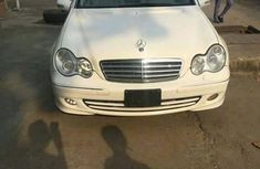 Mercedes Benz C280 2010 FOR SALE