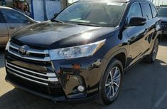 2017 Toyota Highlander se FOR SALE