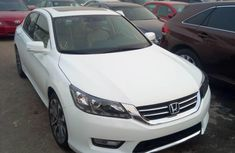 2015 Honda Accord Automatic Petrol well maintained