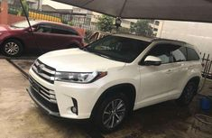 2017 Toyota Highlander Automatic Petrol well maintained