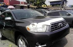 2010 Toyota Highlander Automatic Petrol well maintained for sale
