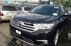 2012 Toyota Highlander Automatic Petrol well maintained for sale