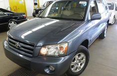 Clean Toyota Highlander 2004 Blue for sale with full auction