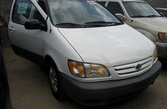 Foreign used Toyota Sienna 1995 white for sale