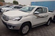 Toyota Hilux 2013 White for sale
