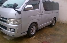 Clean Toyota Hiace bus 2006 Silver for sale with full auction