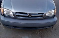 Almost brand new Toyota Sienna Petrol 1999 for sale