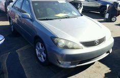 Toyota Camry 2004 silver for sale