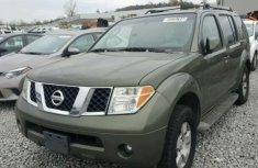 2005 Nissan Pathfinder Green For Urgent Sales