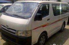 Clean Toyota Haice bus white 2006 for sale
