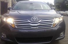 Toyota Venza 2010 Blue model for sale with the fullest options buy and drive
