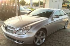 Tokunbo Mercedes Benz Cls silver 2006 for sale