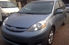Clean neat Toyota Sienna 2001 FOR SALE