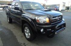Neat black Toyota Tacoma 2008 for sale
