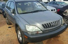 Very clean tokunbo Lexus Rx300 2004 Grey for sale
