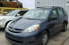 Toyota Sienna 2002 blue for sale