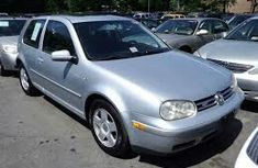 2005 Sliver Golf first body going for sale at cheap price